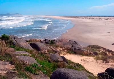 Praia da Galheta Sul - Farol de Santa Marta