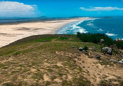 Praia do Mocó - Farol de Santa Marta