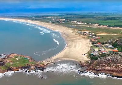 Praia do Ypuã (Ilhota) - Farol de Santa Marta
