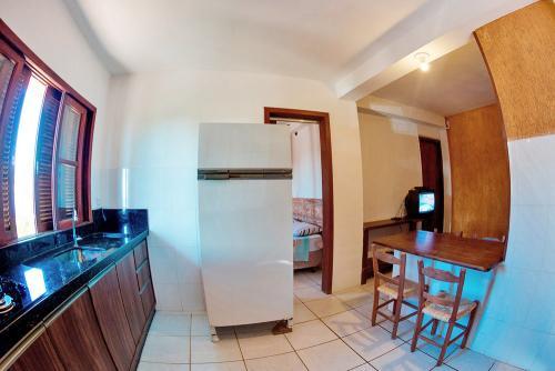apoena-casa-para-aluguel-farol-santa-marta-casa2-03-cozinha