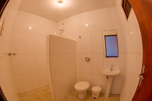 apoena-casa-para-aluguel-farol-santa-marta-casa2-06-banheiro